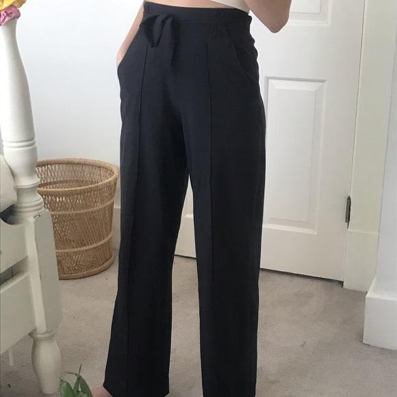 🍋 lululemon wide leg pants | size 2-4 🍋